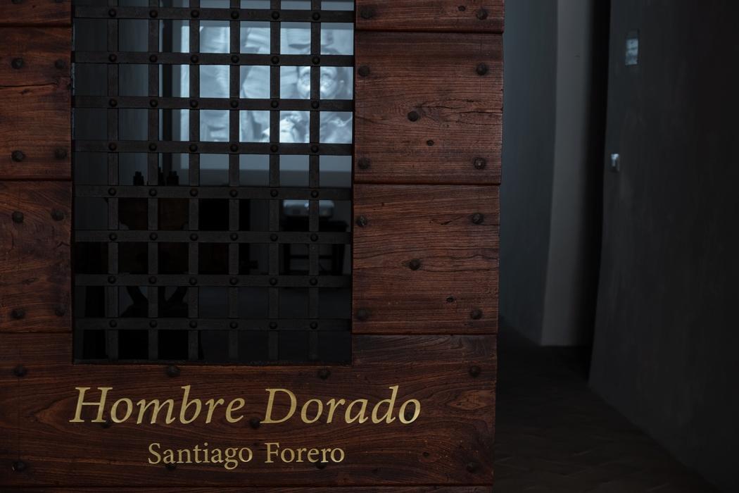 http://santiagoforero.com/files/gimgs/th-44_santiago-forero-hombre-dorado-civitella-2.jpg