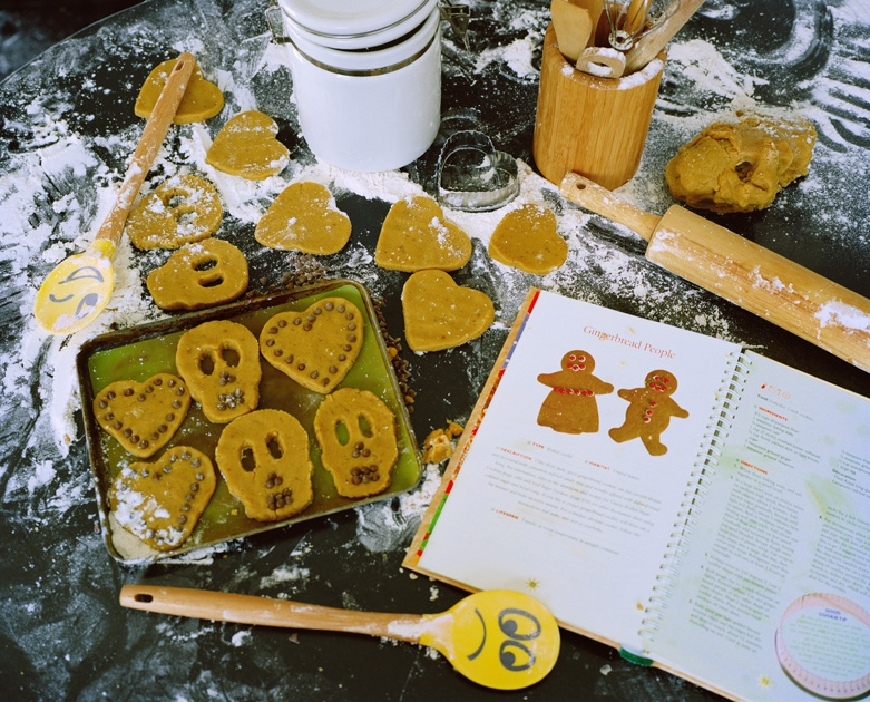 http://santiagoforero.com/files/gimgs/th-41_santiago-forero-story-about-friends-gingerbread-people_v4.jpg