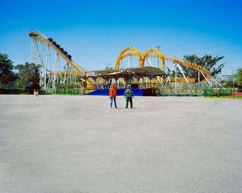 http://santiagoforero.com/files/gimgs/th-41_santiago-forero-story-about-friends-rollercoaster_v4.jpg